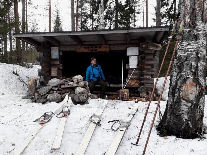 Erämaarally 2019, Jarkko Rutila Hiidenkirnun laavulla © Ari Salminen